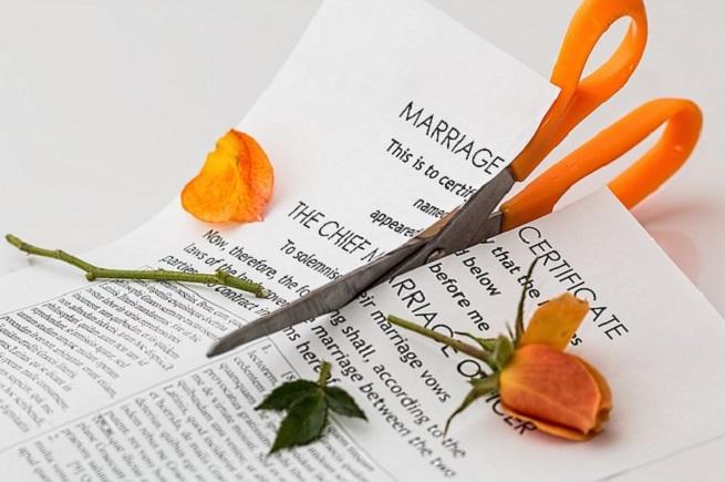 Когда брак сыпется