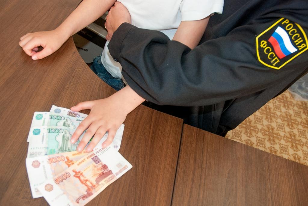 Деньги у полицейского